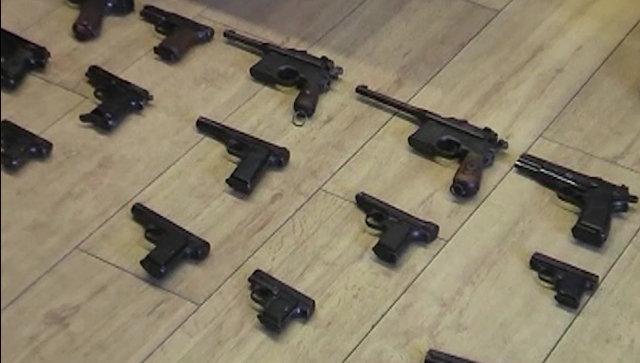 Оружие, найденное у членов группы, причастной к организации канала поставок средств поражения из стран Евросоюза и Украины в Россию