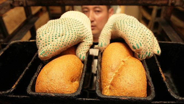 Продажа и изготовление хлебобулочных изделий в регионах России. Архивное фото