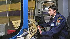 Машинист поезда метро. Архивное фото