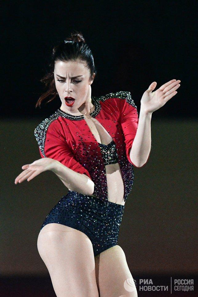 Эшли Вагнер участвует в показательных выступлениях на командном чемпионате мира по фигурному катанию в Токио