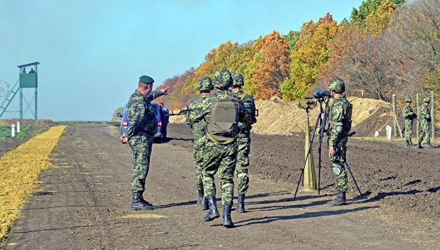 Украинские пограничники на границе с Россией