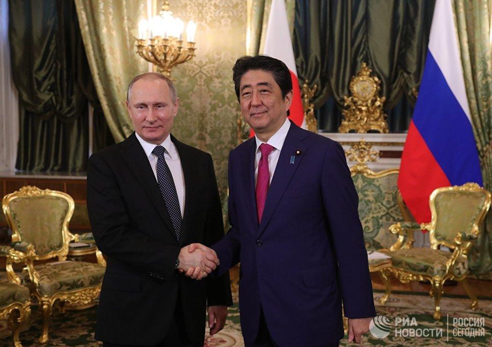 Лавров назвал готовящуюся встречу В.Путина иАбэ «главным событием года»