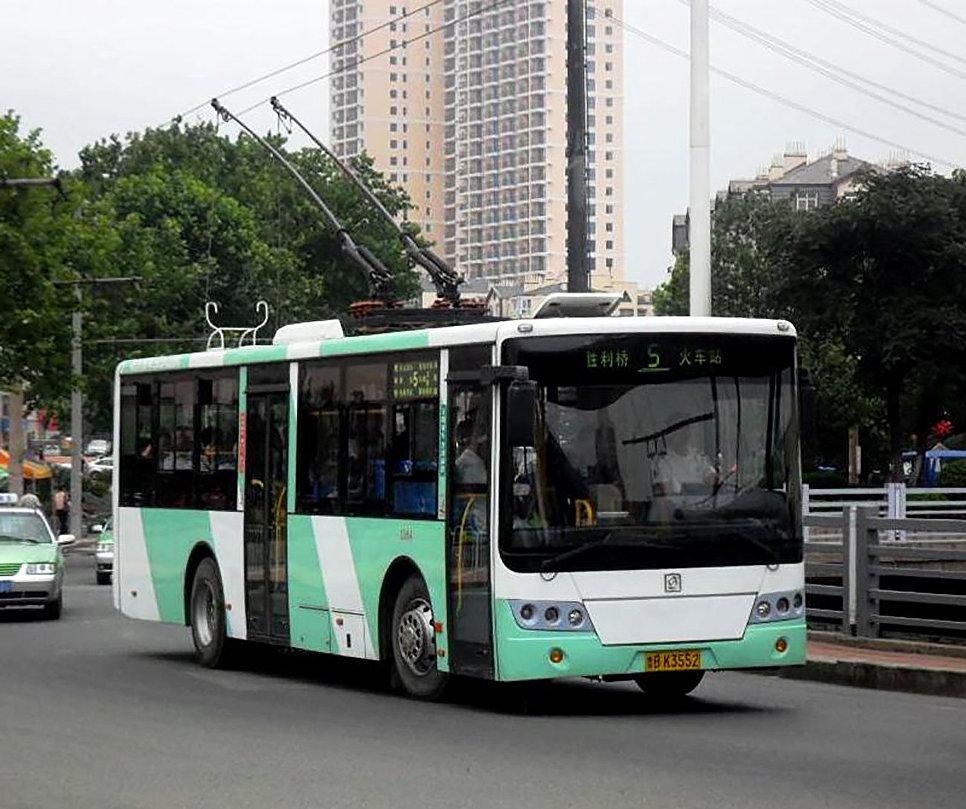 Троллейбус Sunwin типа SWB5106 в Циндао, Китай