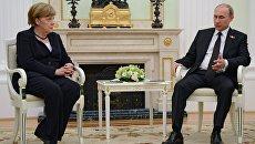 Президент России Вдадимир Путин встретился с канцлером Федеративной Республики Германия Ангелой Меркель