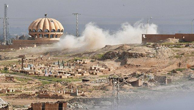 Обстрел боевиками ИГ позиций Республиканской гвардии Сирии на окраине Дейр-эз-Зора. Архивное фото