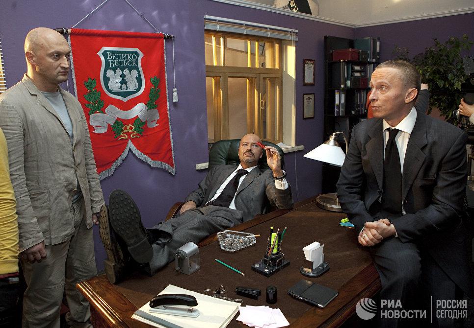 Гоша Куценко, Федор Бондарчук и Иван Охлобыстин во время съемок фильма режиссера Романа Качанова Псевдоним для героя