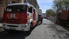 Пожарные расчеты МЧС РФ в центре Москвы. Архивное фото