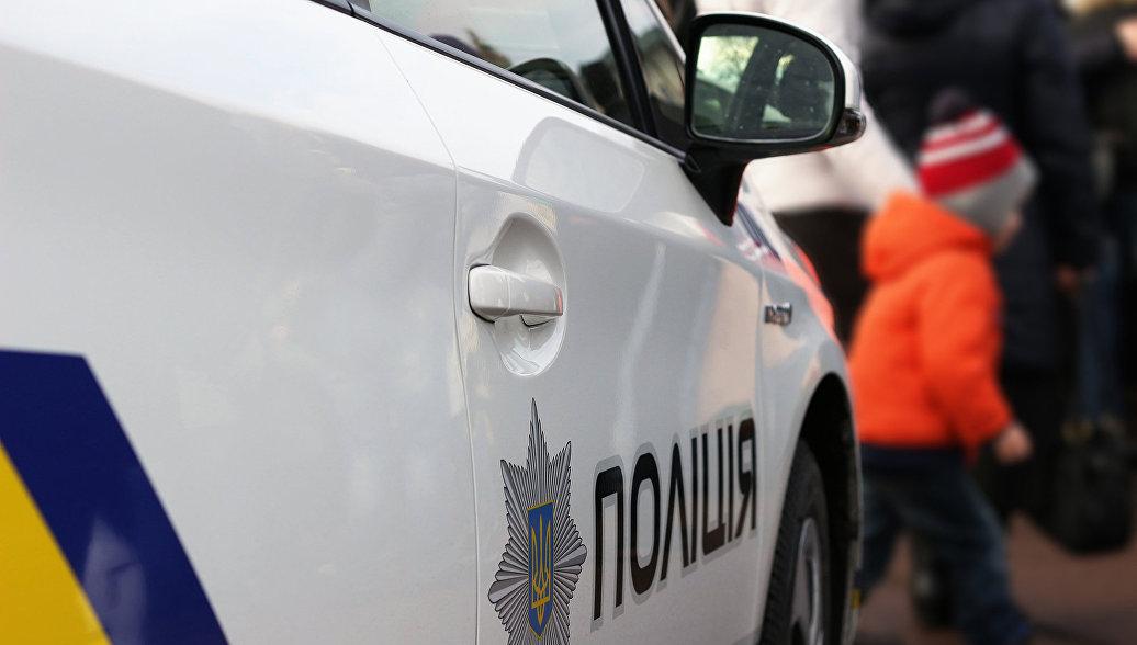 В Киеве вооруженный грабитель напал на обменный пункт и ранил полицейского