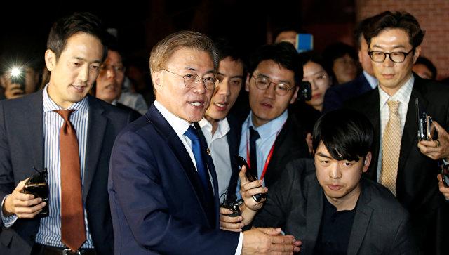 Кандидат от демократов на президентских выборах в Южной Корее Мун Чжэ Ин