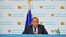 Министр иностранных дел России Сергея Лаврова во время пресс-конференции в посольстве РФ в Вашингтоне. 10 мая 2017