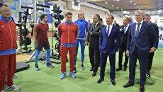 Председатель правительства РФ Дмитрий Медведев во время посещения учебно-тренировочного центра Новогорск. 12 мая 2017