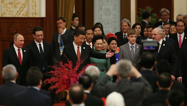 Лукашенко приехал нафорум в КНР смладшим сыном Колей