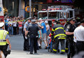 Место наезда автомобиля на людей на Таймс-Сквер в Нью-Йорке