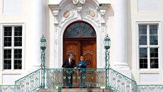 Президент Украины Петр Порошенко и канцлер Германии Ангела Меркель вовремя встречи в Берлине. 20 мая 2017