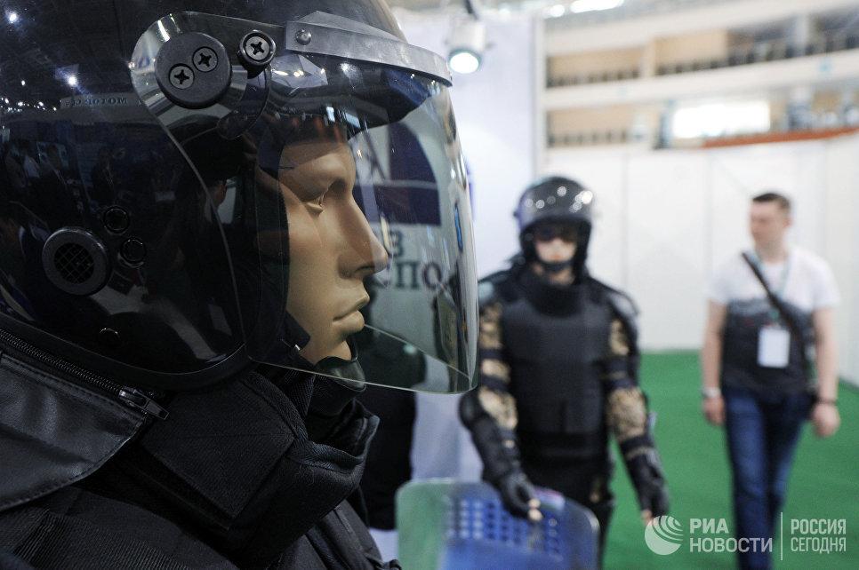 Манекен в экипировке на 8-й Международной выставке вооружения и военной техники Milex-2017 в Минске