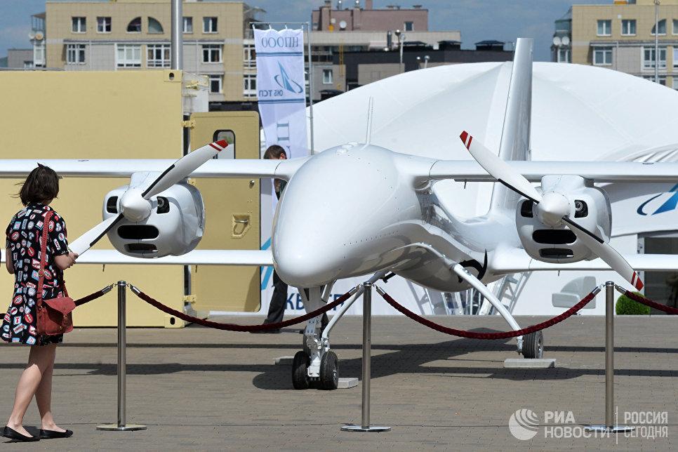 Беспилотный летательный аппарат на 8-й Международной выставке вооружения и военной техники Milex-2017 в Минске