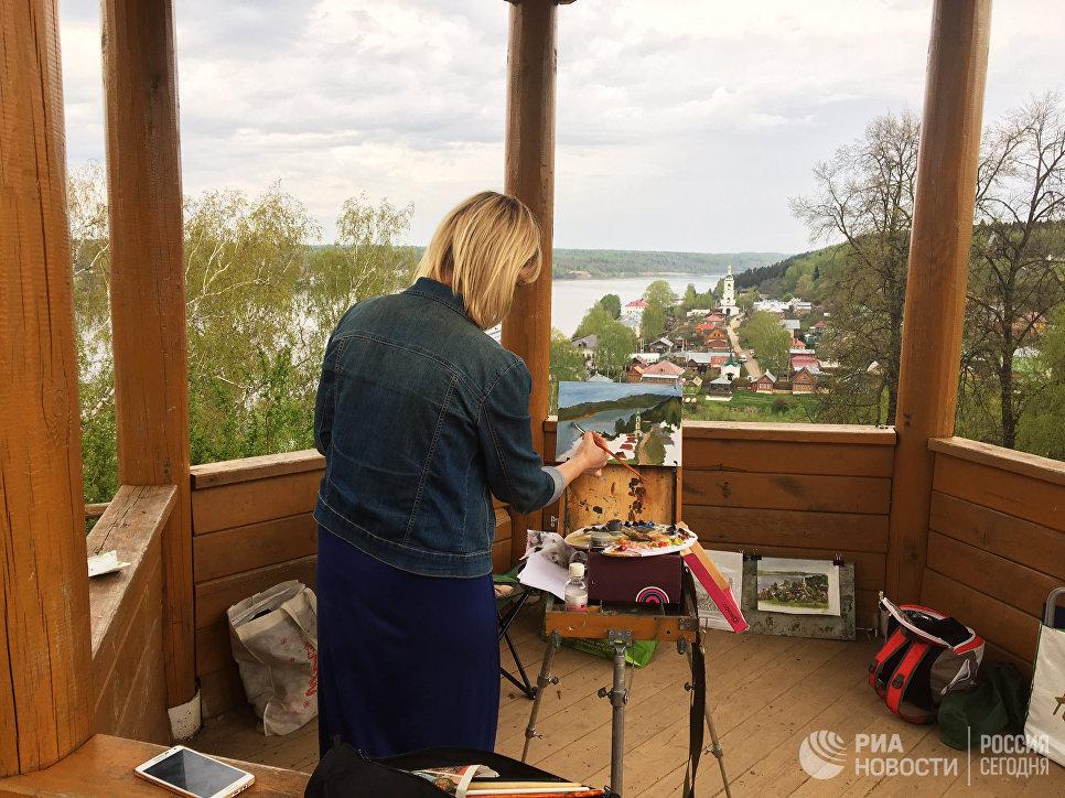 В любое время года Плес притягивает художников для творческих встреч, пленэров и конкурсов