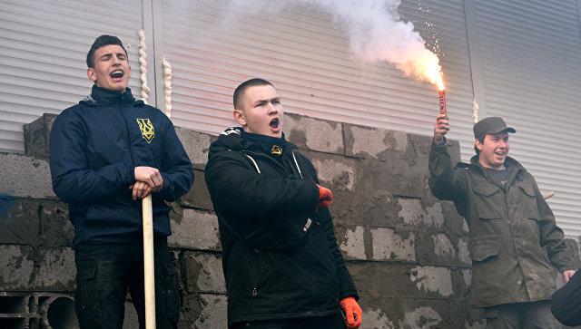 Радикалы угрожают осложнить работу российских предприятий на Украине