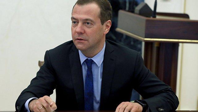 Медведев после лишения Саакашвили гражданства Украины: Show must go on