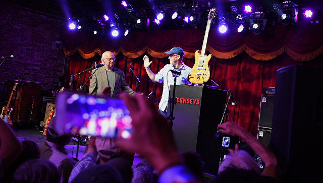 Гитара «Волк» музыканта Grateful Dead продана наблаготворительном аукционе