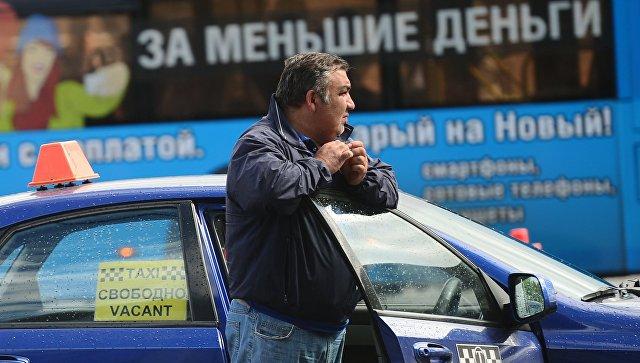 Белорусам и киргизам разрешили водить авто в России по национальным правам