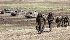 Бойцы Народной милиции Луганской народной республики во время тактических учений в Луганской области. Архивное фото