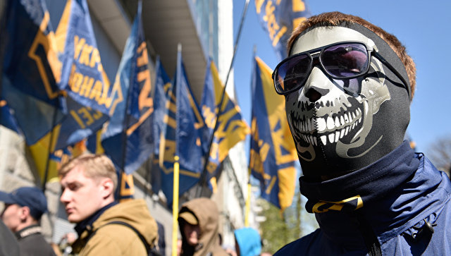 В Киеве радикалы разгромили стройплощадку и избили охранников