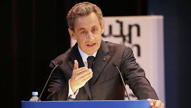 Саркози: Макрон— невероятен, ондалеко пойдет