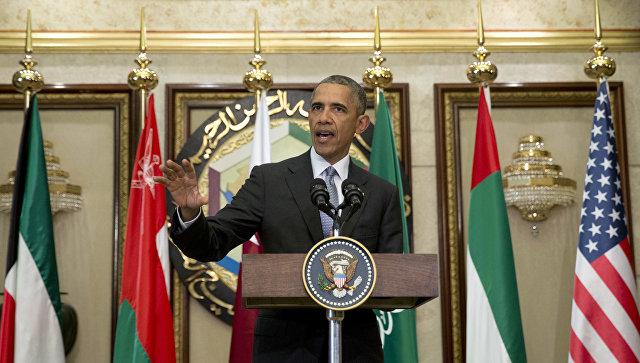 Парадно-выходной: Барак Обама восемь лет носил один смокинг