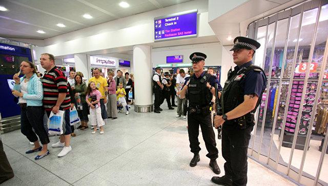 Ваэропорту Манчестера объявлена эвакуация пассажиров иперсонала
