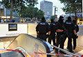 Сотрудники полиции возле вокзала в Мюнхене, Германия