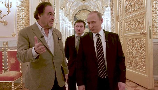 Путин сказал Стоуну, что невидит проблемы солигархами вРФ