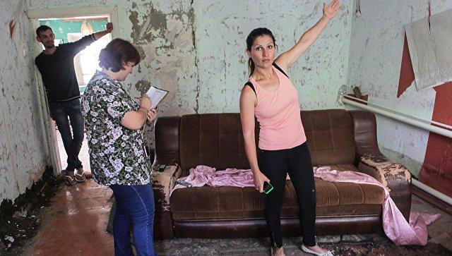 Жители Ставропольского края во время демонстрации и оценки ущерба, нанесённого паводком