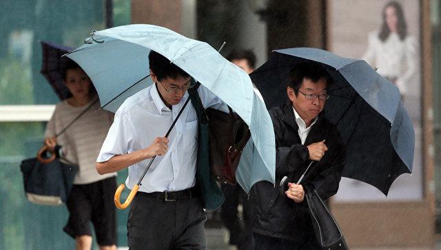 ВЯпонии почти тридцать тыс. граждан должны покинуть свои дома из-за ливней