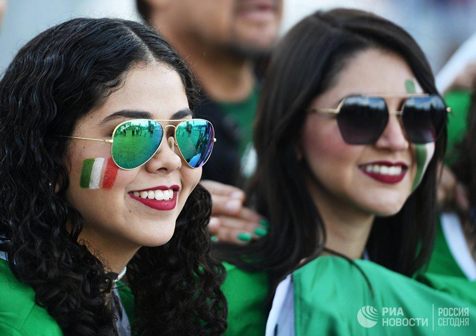 Мексиканские болельщики перед началом матча Кубка конфедераций-2017 по футболу между сборными Португалии и Мексики