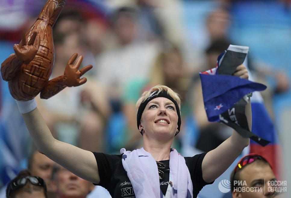 Болельщица сборной Новой Зеландии перед началом матча Кубка конфедераций-2017 по футболу между сборными России и Новой Зеландии