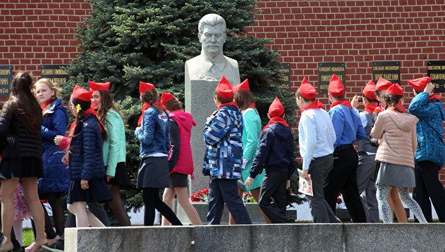 Сталин круче Путина: жители России «составили рейтинг» самых выдающихся личностей страны