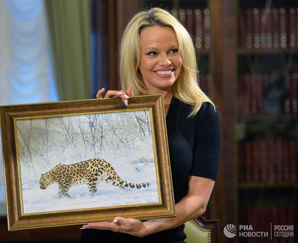 Член консультативного совета Международного фонда защиты животных IFAW Памела Андерсон во время встречи в Кремле с Сергеем Ивановым