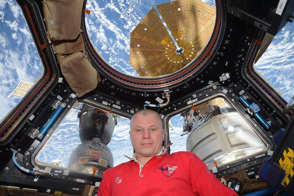 Член экипажа корабля Союз МС-03 космонавт Роскосмоса Олег Новицкий на МКС