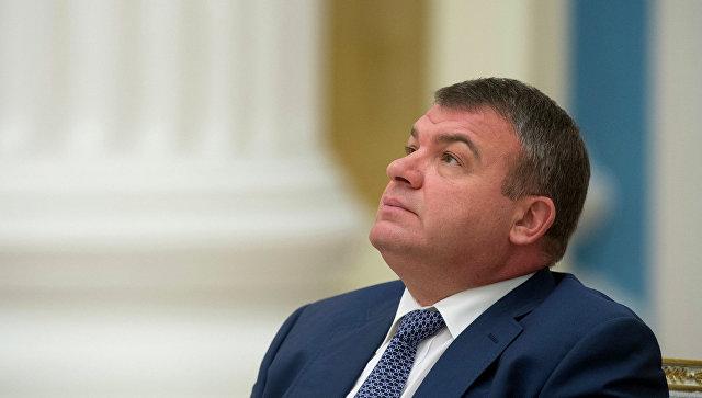 Сердюков сменил экс-главу ВЭБа Дмитриева всовете начальников «Камаза»