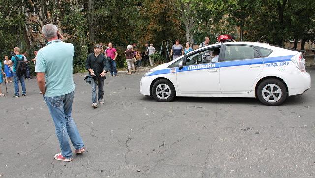 Полицейская машина в Донецке. Архивное фото