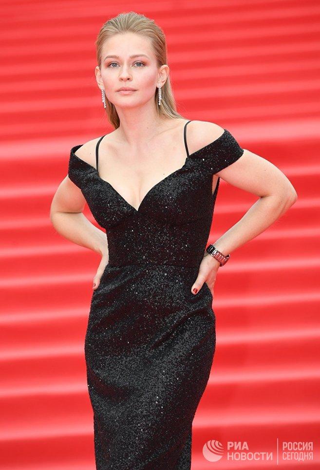 Актриса Юлия Пересильд на церемонии закрытия 39-го Московского международного кинофестиваля