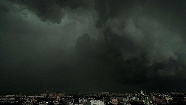 Тучи над Москвой. Архивное фото