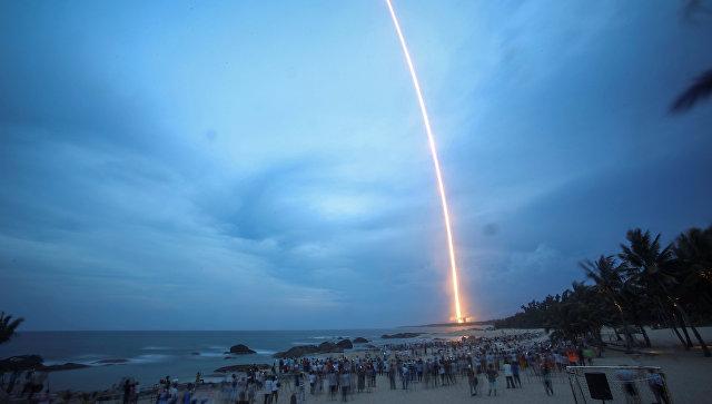Пуск китайской ракеты-носителя Великий поход-5. 2 июля 2017