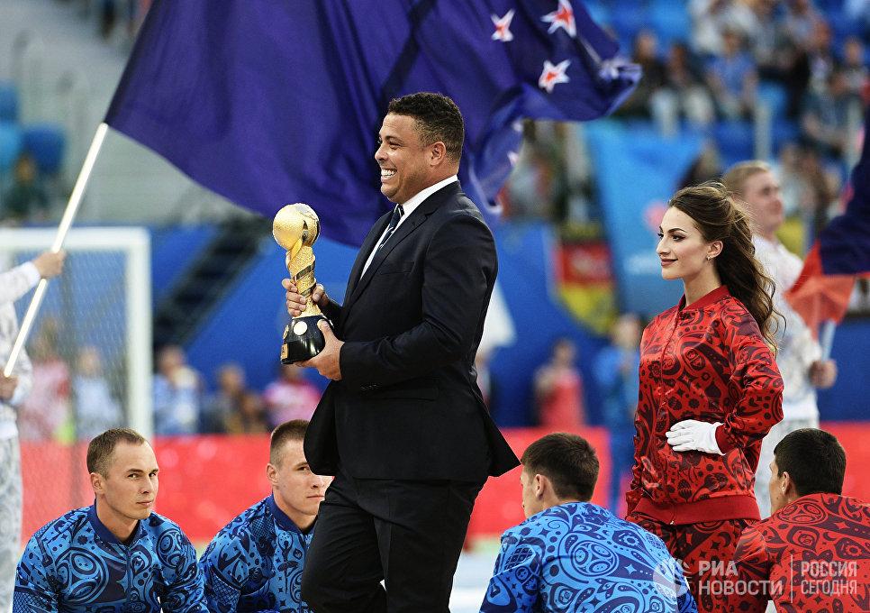 Бразильский футболист Роналдо во время церемонии закрытия Кубка конфедераций-2017 в Санкт-Петербурге
