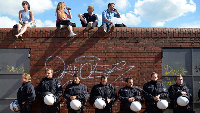Тысяча радикалов столкнулась вГамбурге сполицией