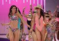 Модели во время показа коллекции Rock My Swim by Mode City во время недели моды в Париже
