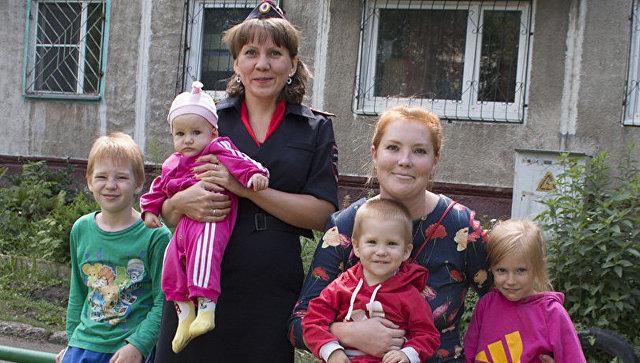 ВКузбассе сотрудница ПДН спасла четырех детей изгорящего дома