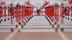 Участницы соревнований в беге на 100 метров. Архивное фото
