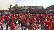 Свыше 3000 боксеров тренировались на Красной площади ради рекорда Гиннесса
